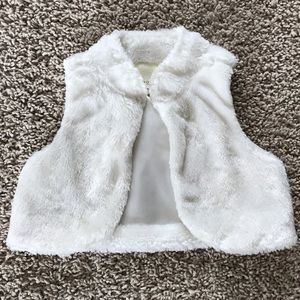 Christmas Holiday White Faux Fur Vest 4T